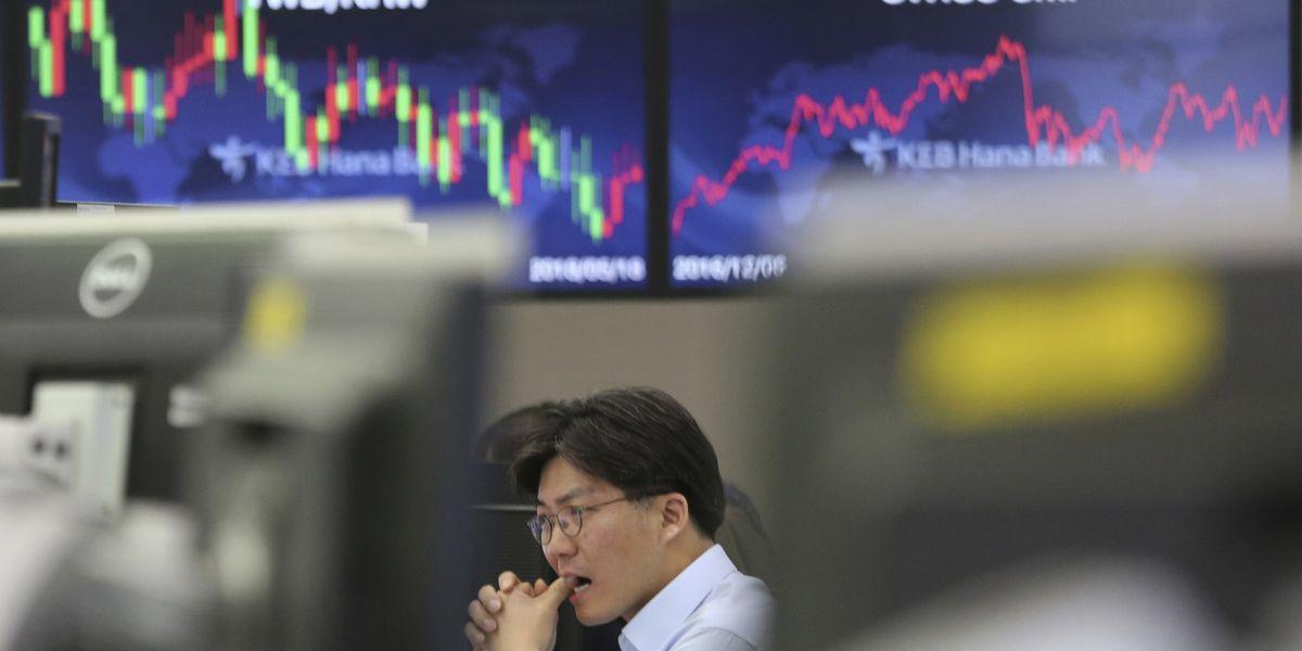 Asian stocks slip on worries over US-China tariffs truce