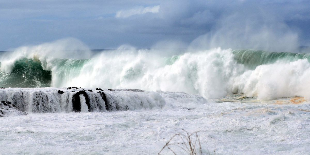 High Surf Advisory in effect for north, west shores of islands