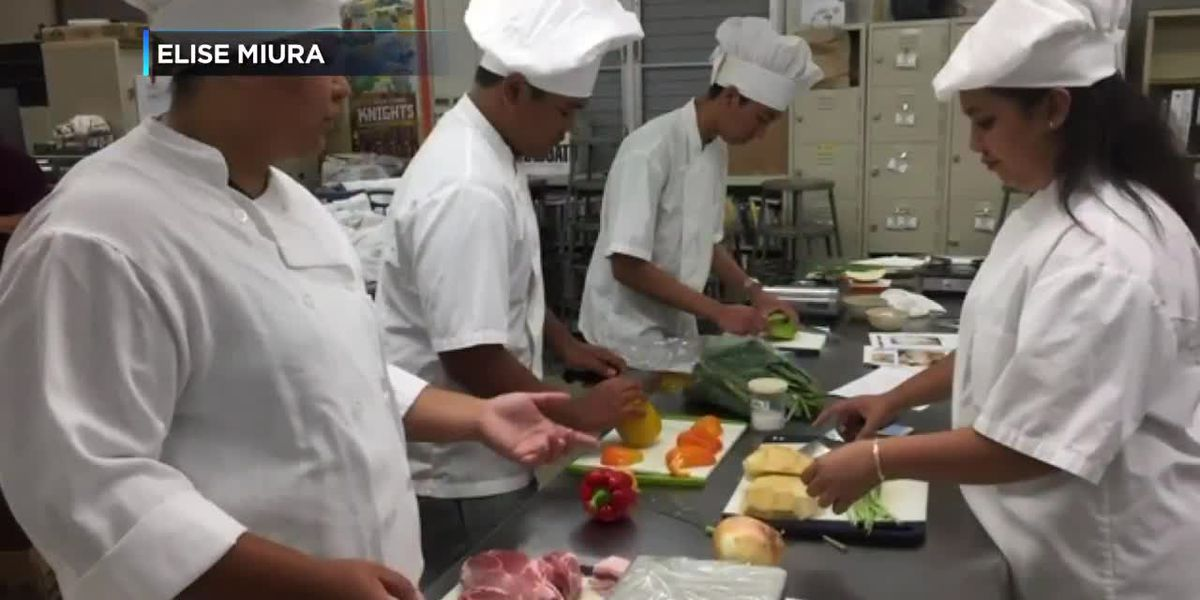 Culinary course offers high schoolers a taste of the restaurant business