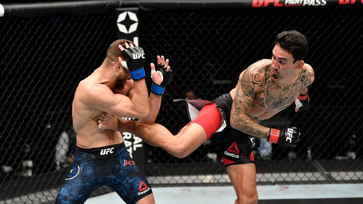 Waianae's Max Holloway gets dominant victory over Calvin Kattar on Fight Island