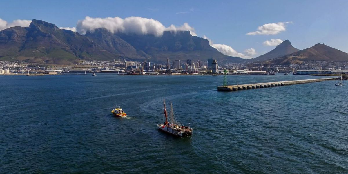 Hokulea reaches halfway point in Cape Town