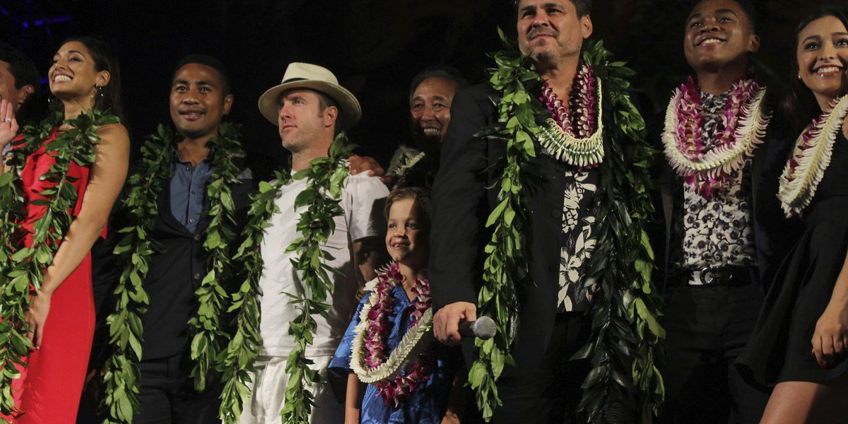 'Hawaii Five-0' honors US veterans at annual Sunset on the Beach
