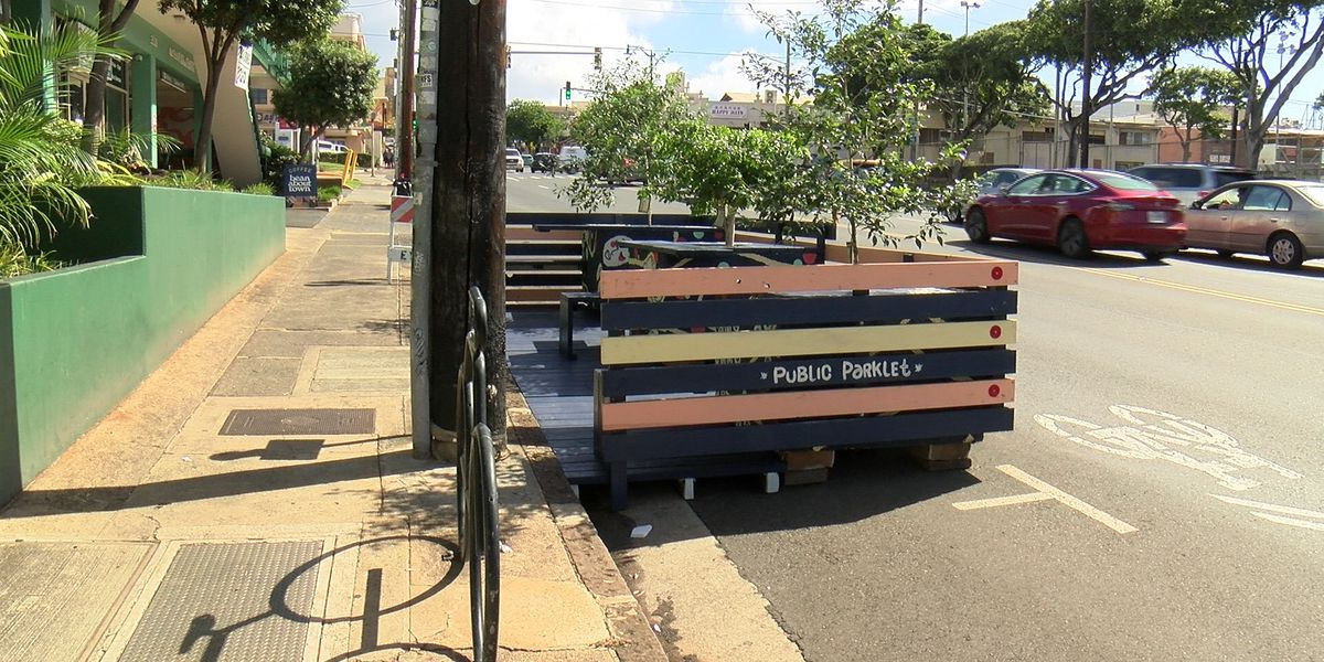 In Kaimuki, parking spaces converted for outdoor seating to help struggling businesses