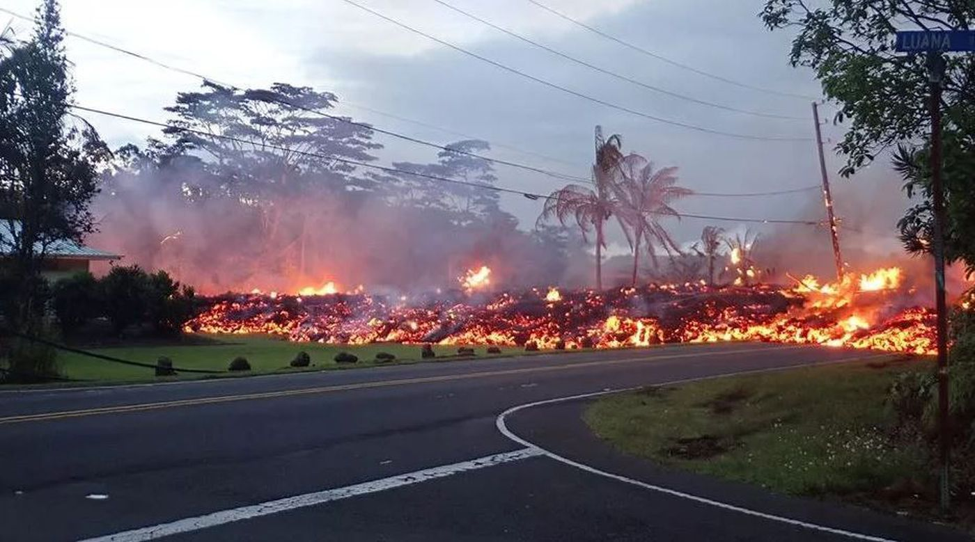 Lava from the recent Kilauea eruption rips through the Puna community (Image: Gregg Chunn)