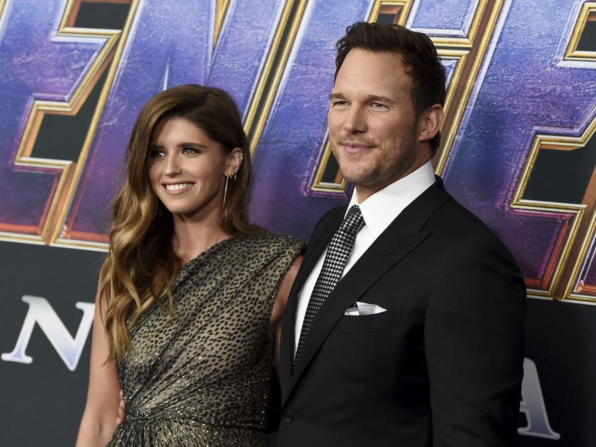Chris Pratt returns to Hawaii — this time, for his honeymoon