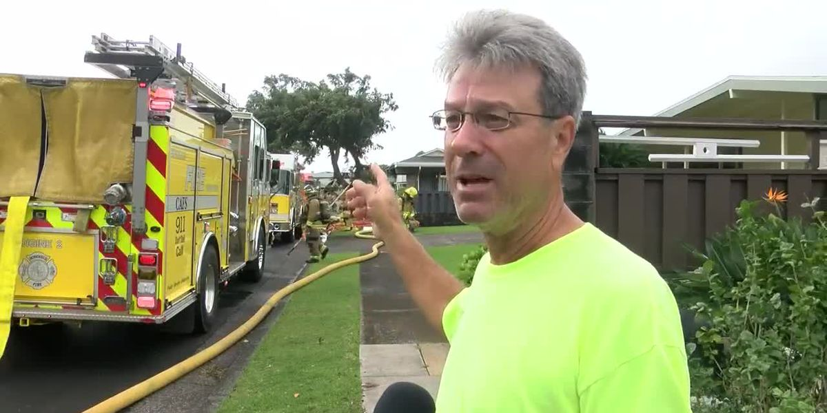 Firefighters douse 2-alarm blaze at Manoa home