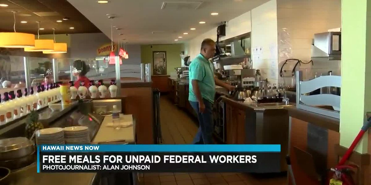 Former airport worker turned Hawaii restaurateur gives hot meals to federal workers