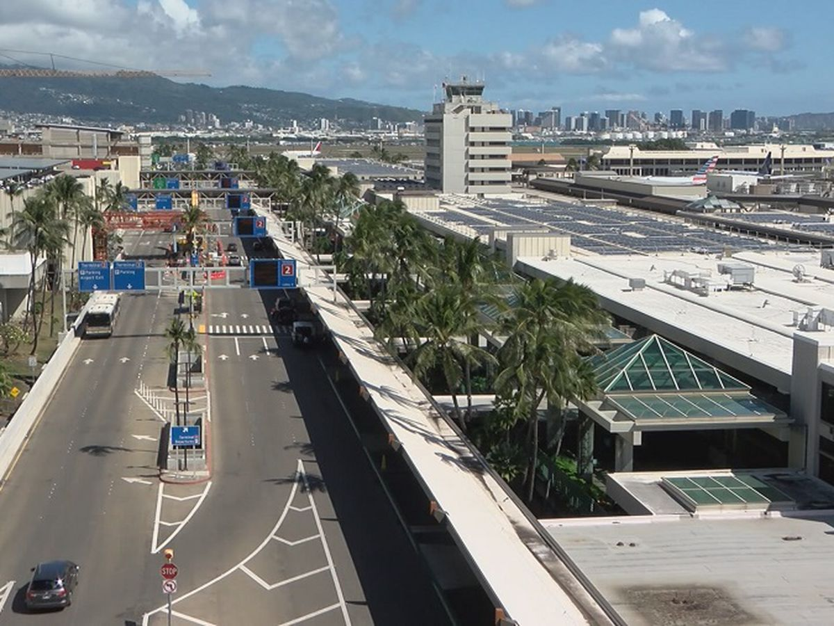Travelers at Honolulu's airport raise concerns over global coronavirus outbreak