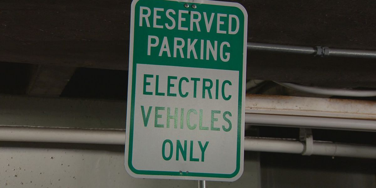 Hawaii to convert light-duty vehicles to electric by 2035