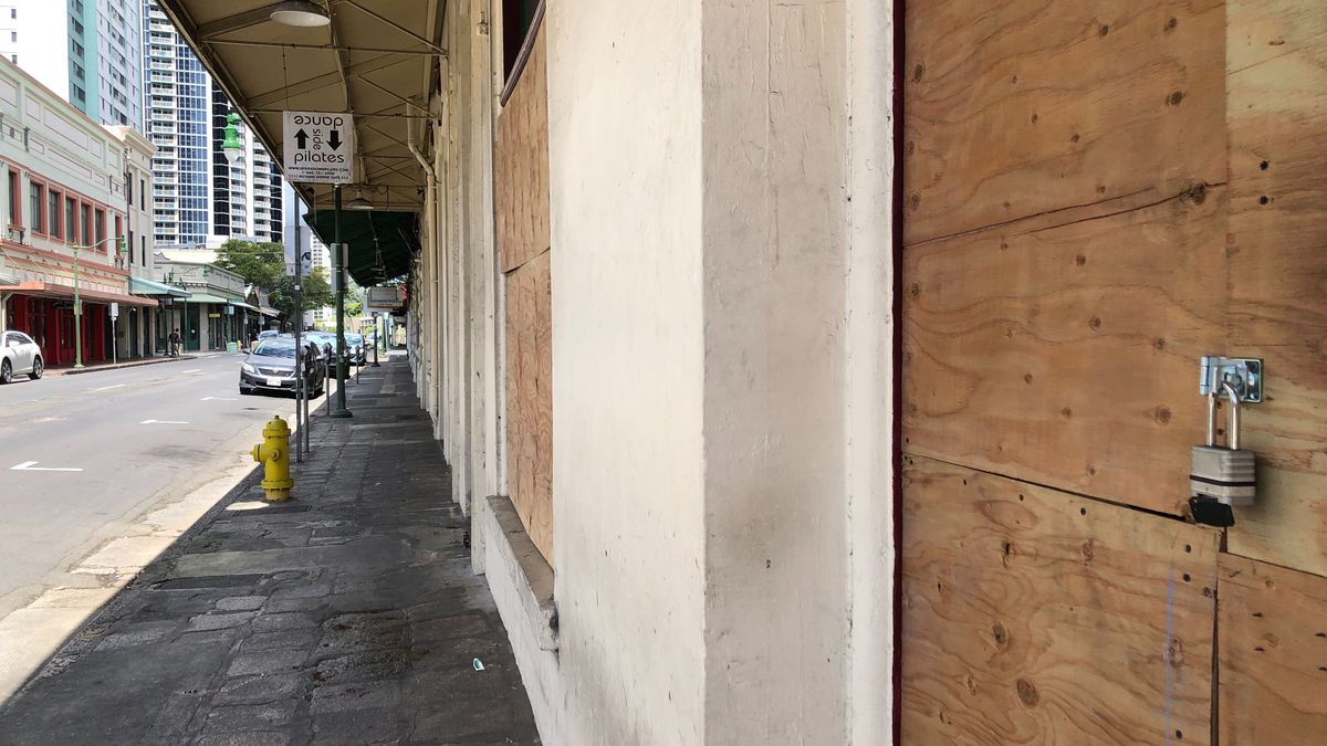 City Council passes a resolution that would give businesses rent relief