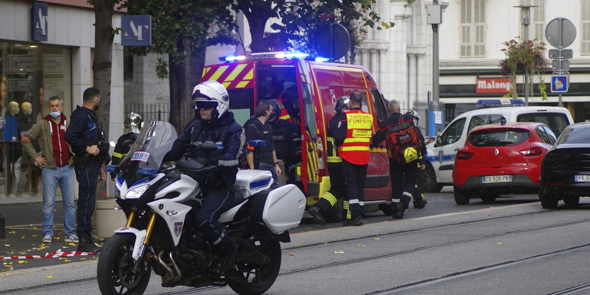 Tunisian carrying Quran fatally stabs 3 in French church