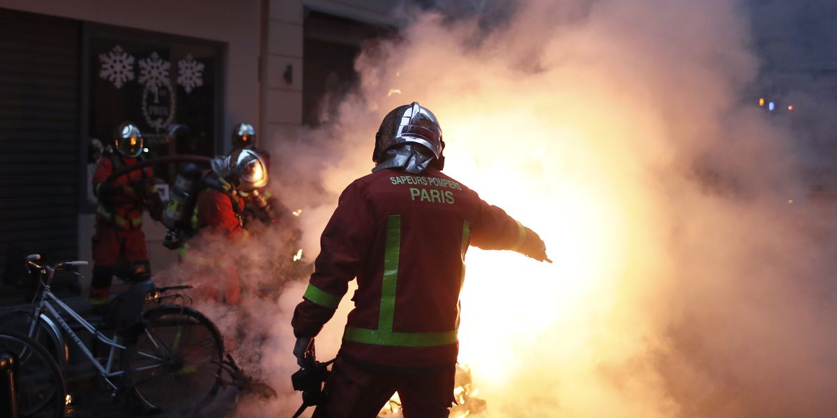 Rioting engulfs Paris as anger grows over high French taxes