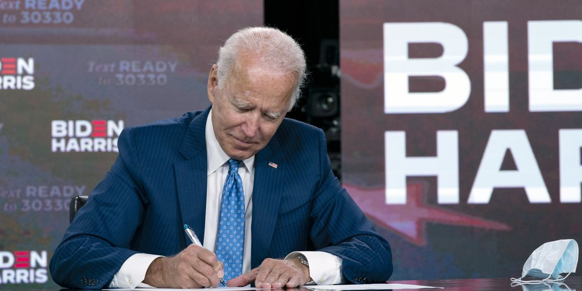 Major US postal workers union endorses Biden for president