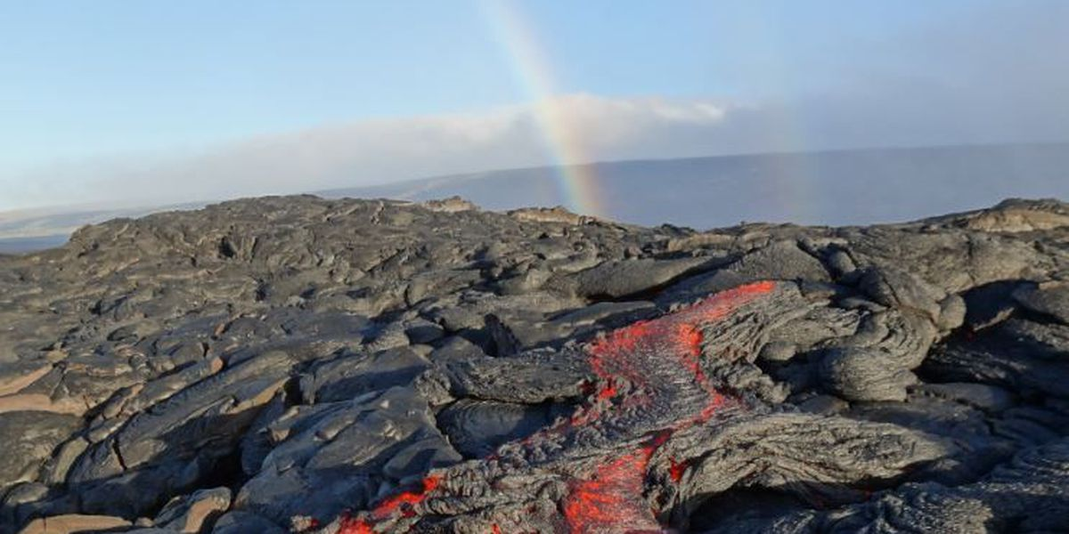 Kilauea lava continues to inch toward ocean