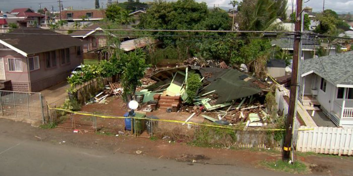 Men working on collapsed home in Wahiawa had no permits