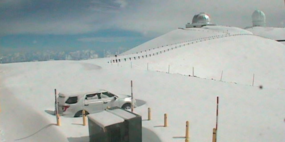 It's once again a winter wonderland atop Mauna Kea