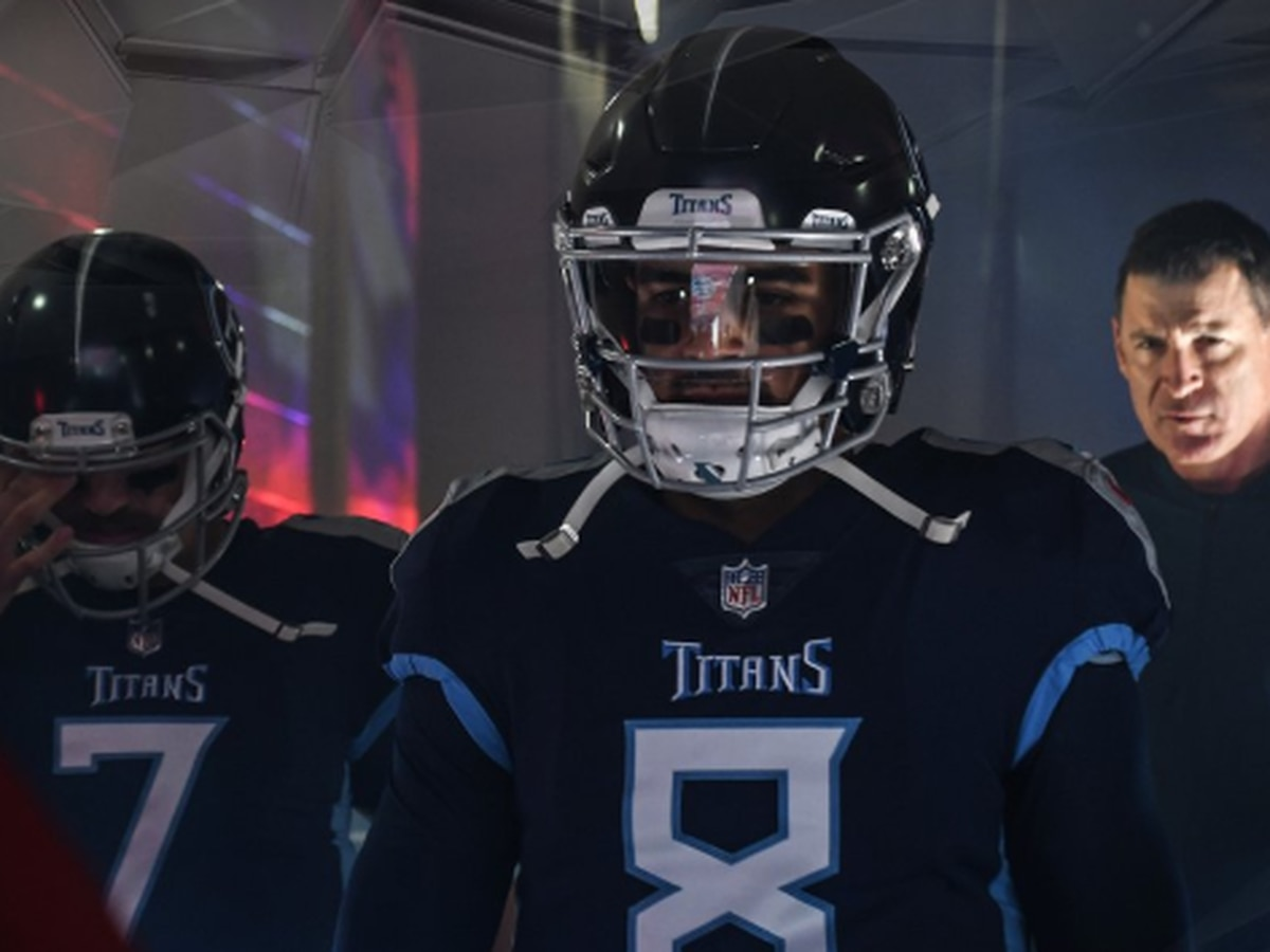 Mariota leads Titans to 34-10 upset win over Patriots