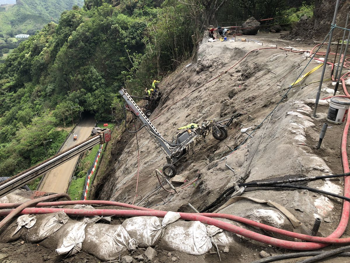 With repairs on schedule, state shoots down idea of adding Pali contraflow hours
