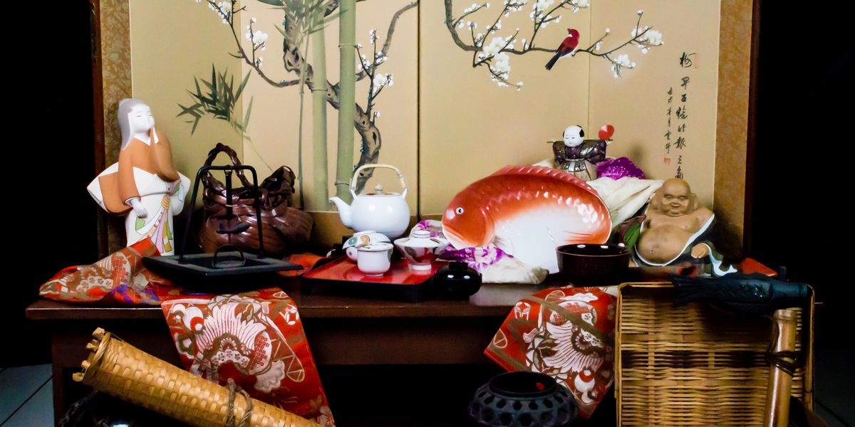 Large collection of Japanese antiques going up for sale