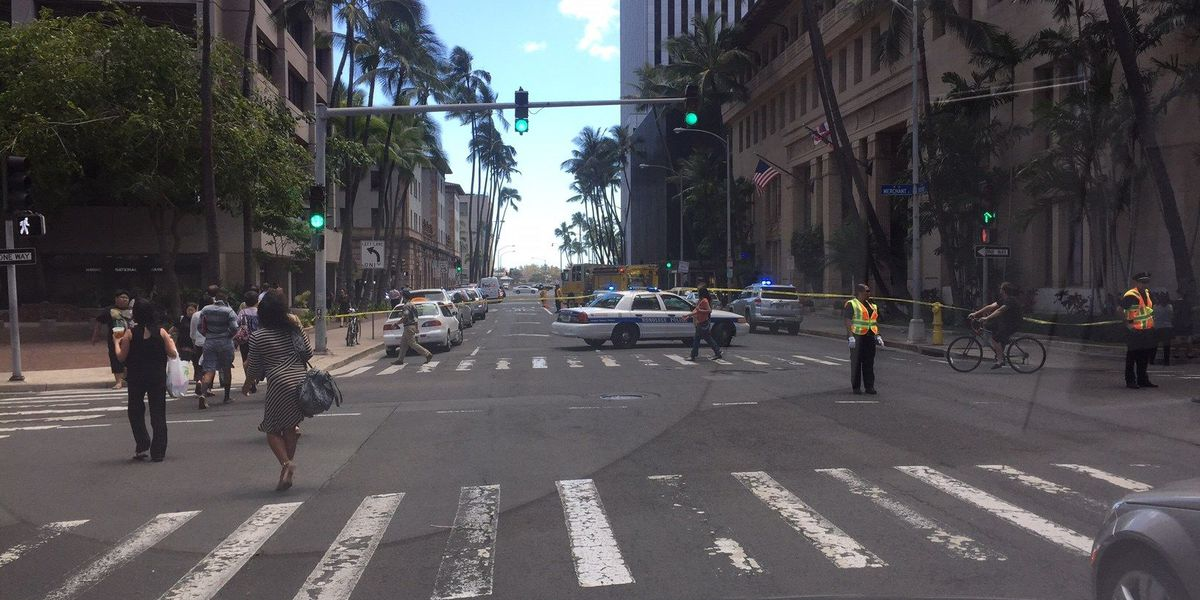 Short circuit causes smoke in Downtown Honolulu