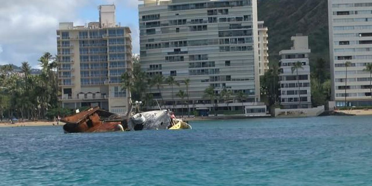 Spilled fuel, hundreds of hooks in Waikiki waters as boat remains stuck