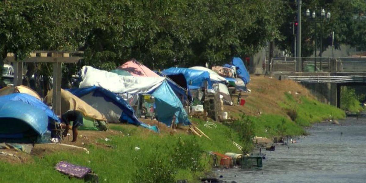 Homeless camp under Kalihi Valley bridge raises concerns