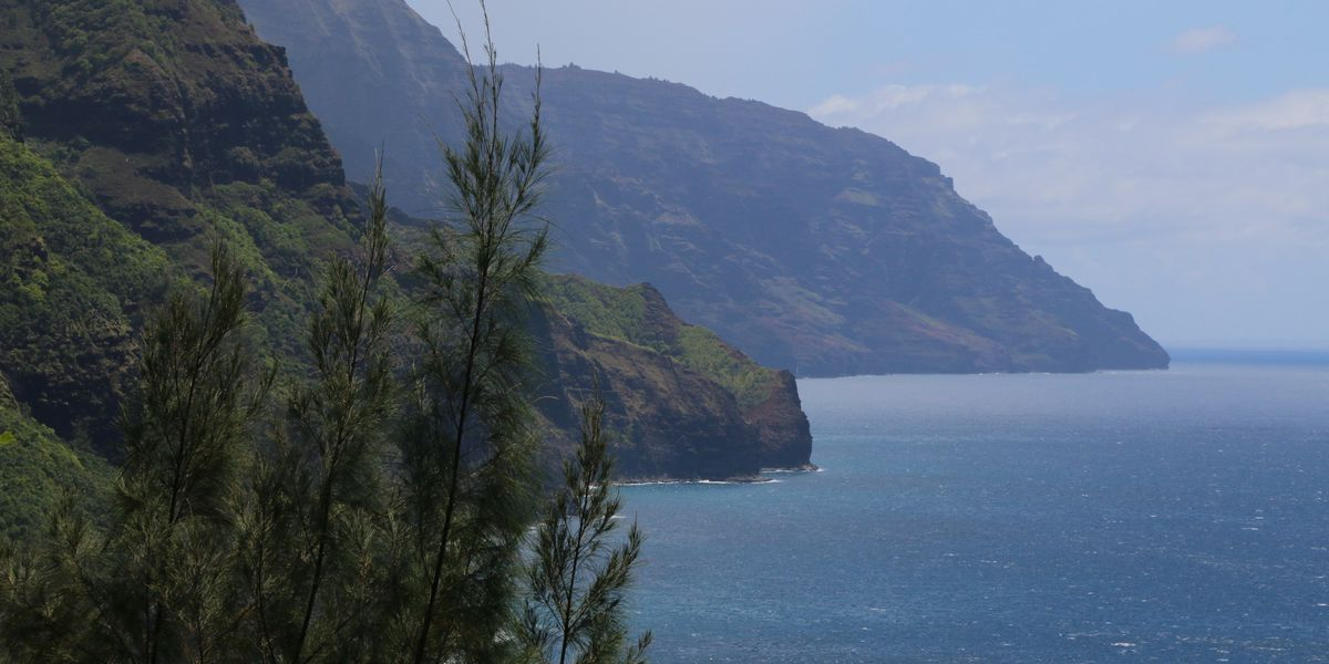 After year-long closure, breathtaking Kalalau hiking trail will reopen