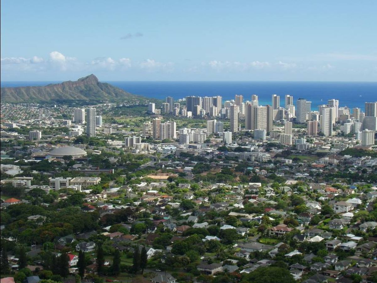 Report: A family of 4 needs $80,000 a year in Hawaii to pay for a frugal lifestyle