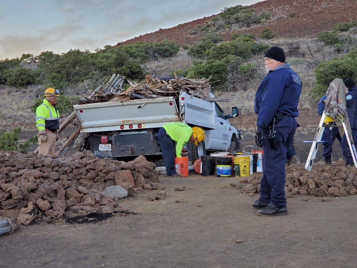 Officers arrest 1, dismantle 4 structures at Mauna Kea as Thirty Meter Telescope construction ramps up