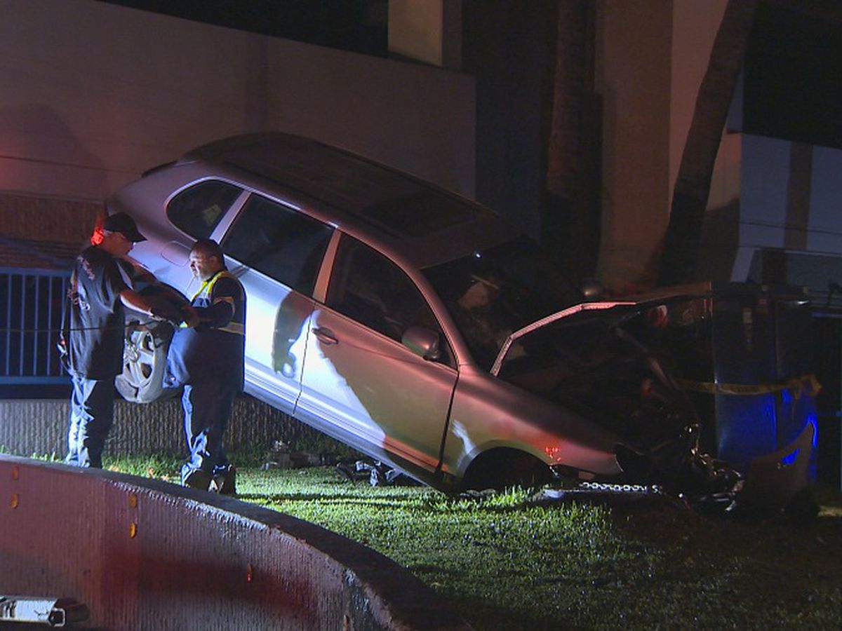 HPD searching for driver in police chase that led to crash in Downtown Honolulu