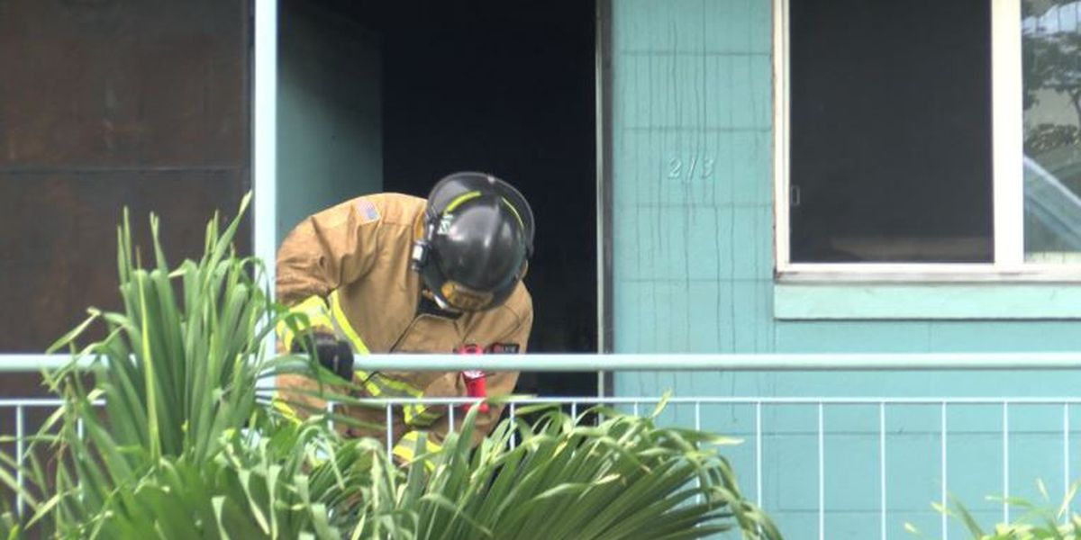 Man in his 70s escapes 2-alarm Waipahu apartment fire