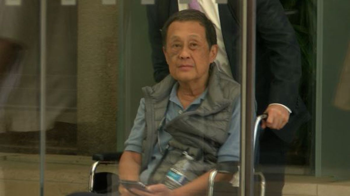 Retired judge testifies at grand jury hearing evidence against prosecutor's office