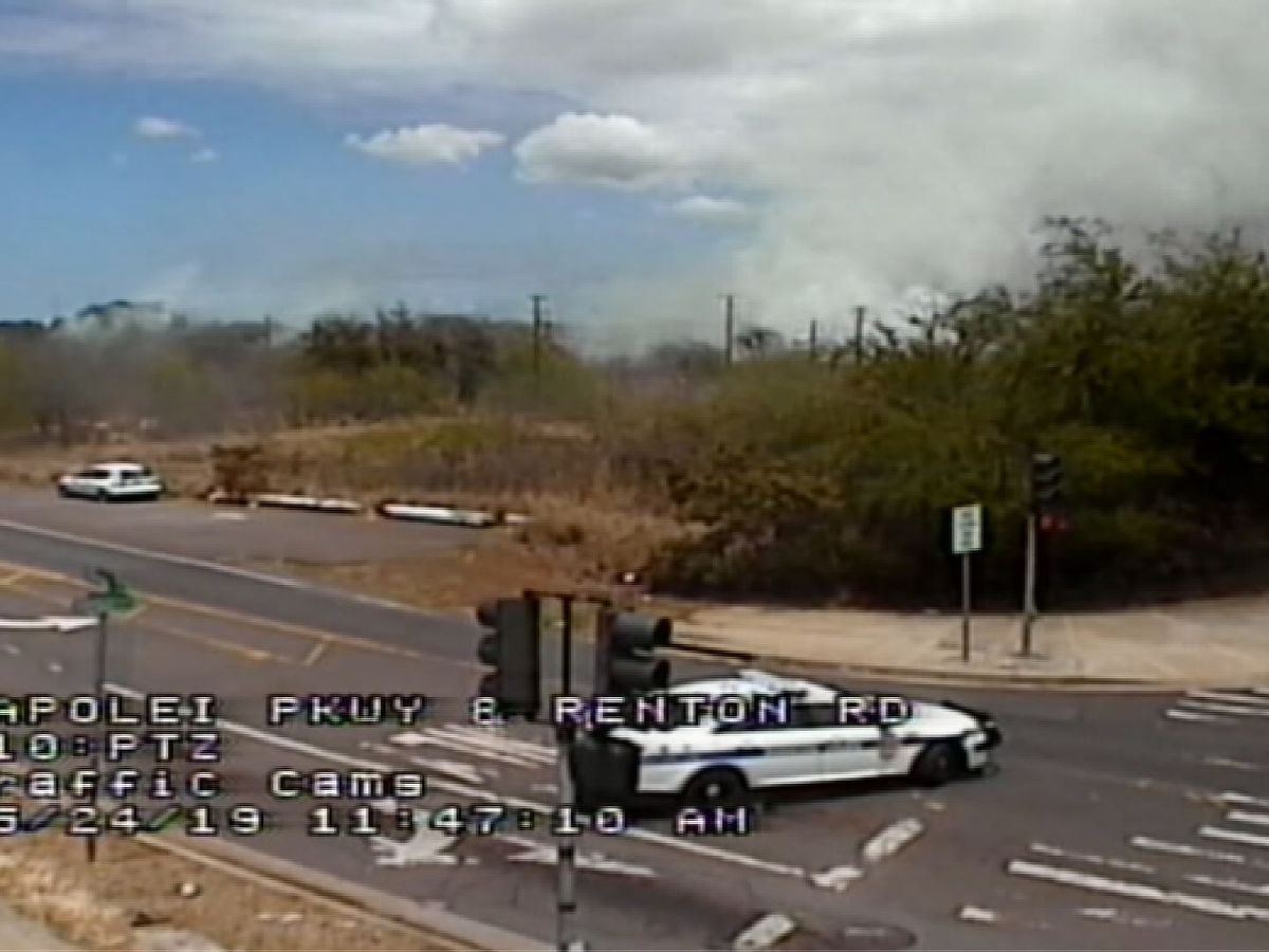 Roads reopen in Kapolei after brush fire near Renton Road