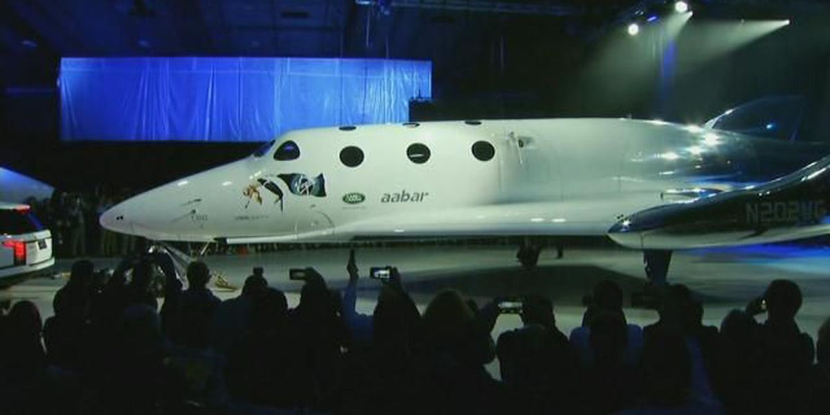 Hawaii company's paint job unveiled with first commercial spaceship