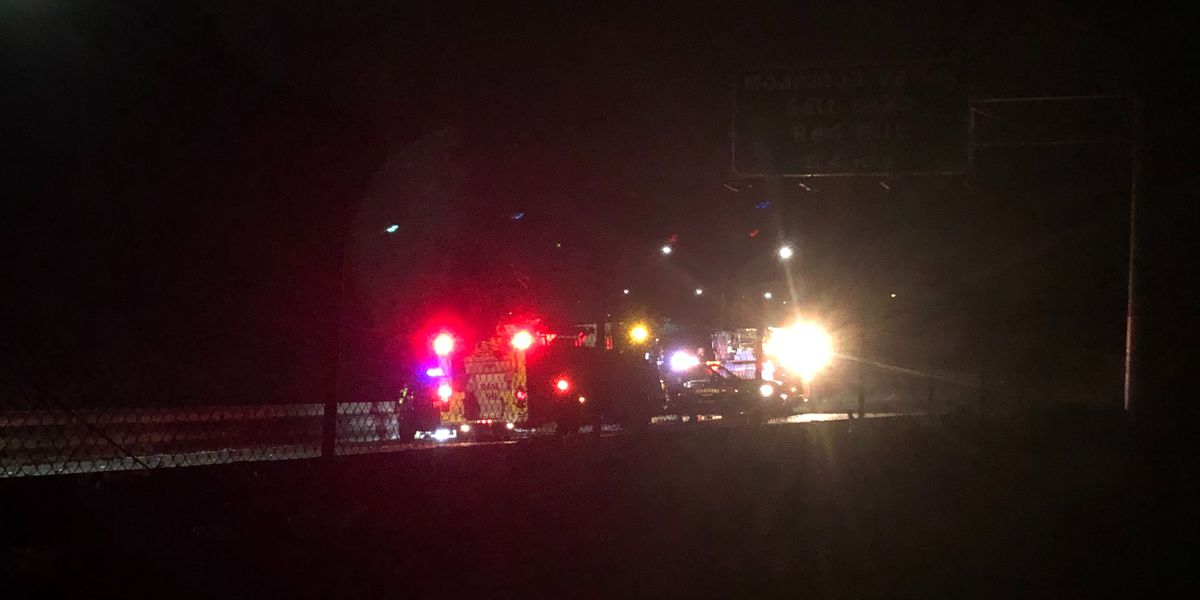 2 seriously injured in head-on crash on H-1 before Red Hill