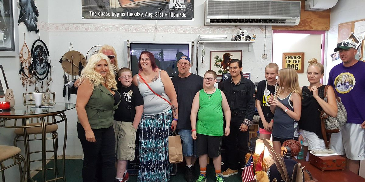 'Dog the Bounty Hounter' crew makes two kids' wishes come true