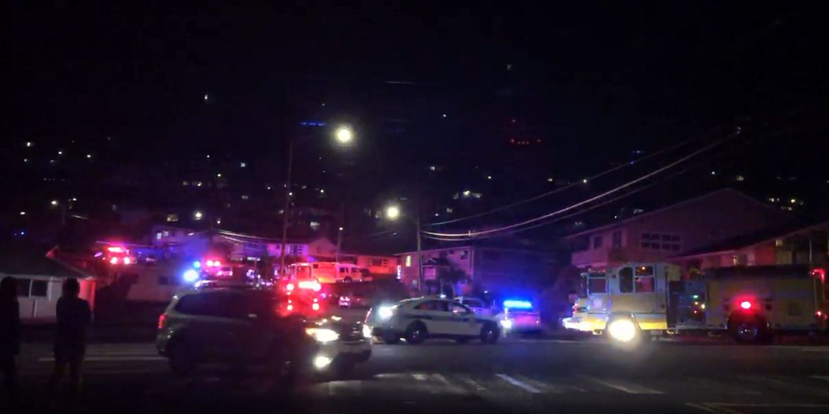 HFD responding to 3-alarm fire in Manoa Valley