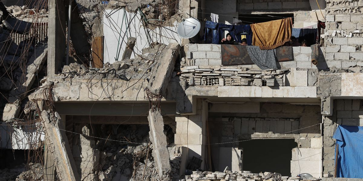 Syria deaths at wartime low in 2018 as Assad made gains