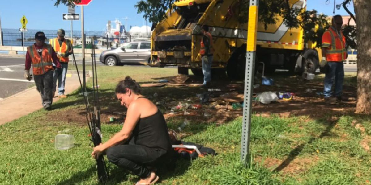 Citing safety concerns, city clears homeless from Nimitz Highway medians