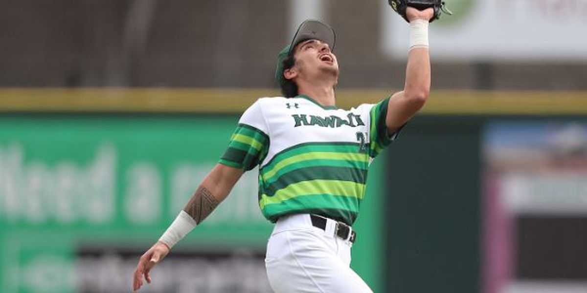 'Bows complete comeback in 7-4 win over Cal State Bakersfield
