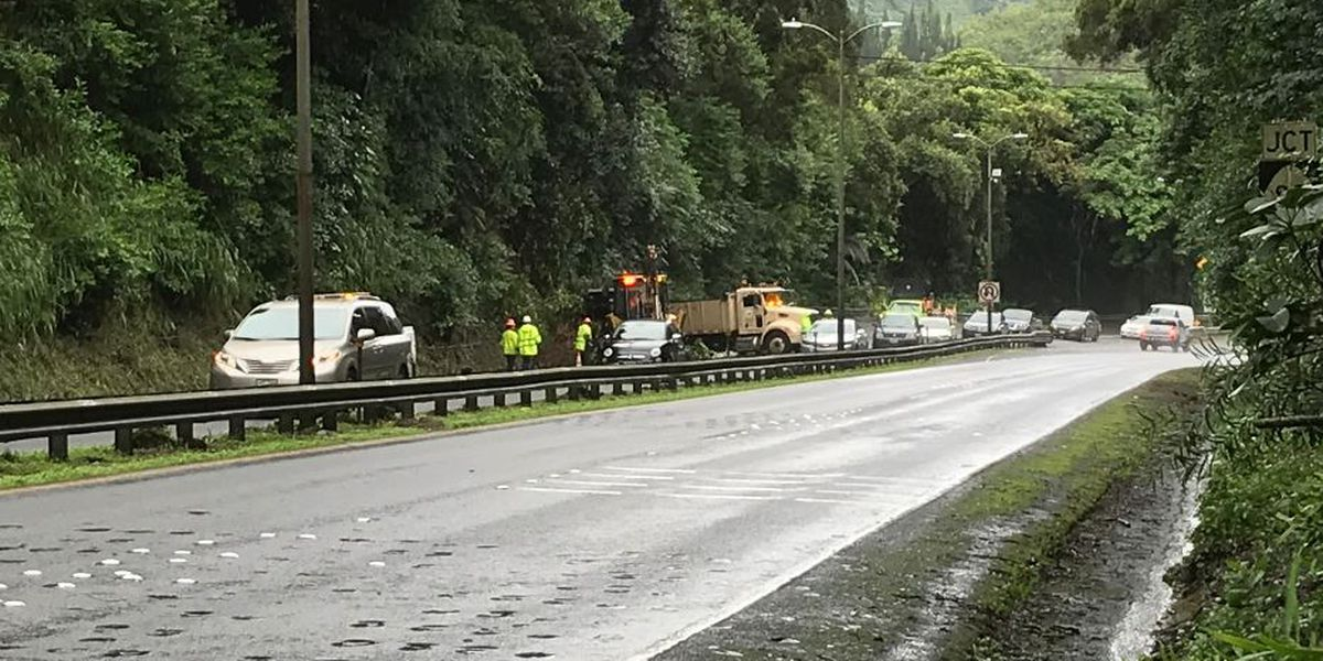 All lanes of Pali Hwy. reopen thanks to crews who removed debris from a landslide