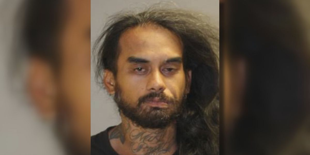 Man accused of trying to stab employees at Kapolei Target