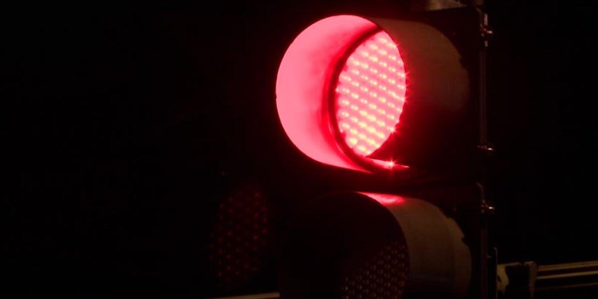 Oahu red light camera program advances, 10 locations eyed