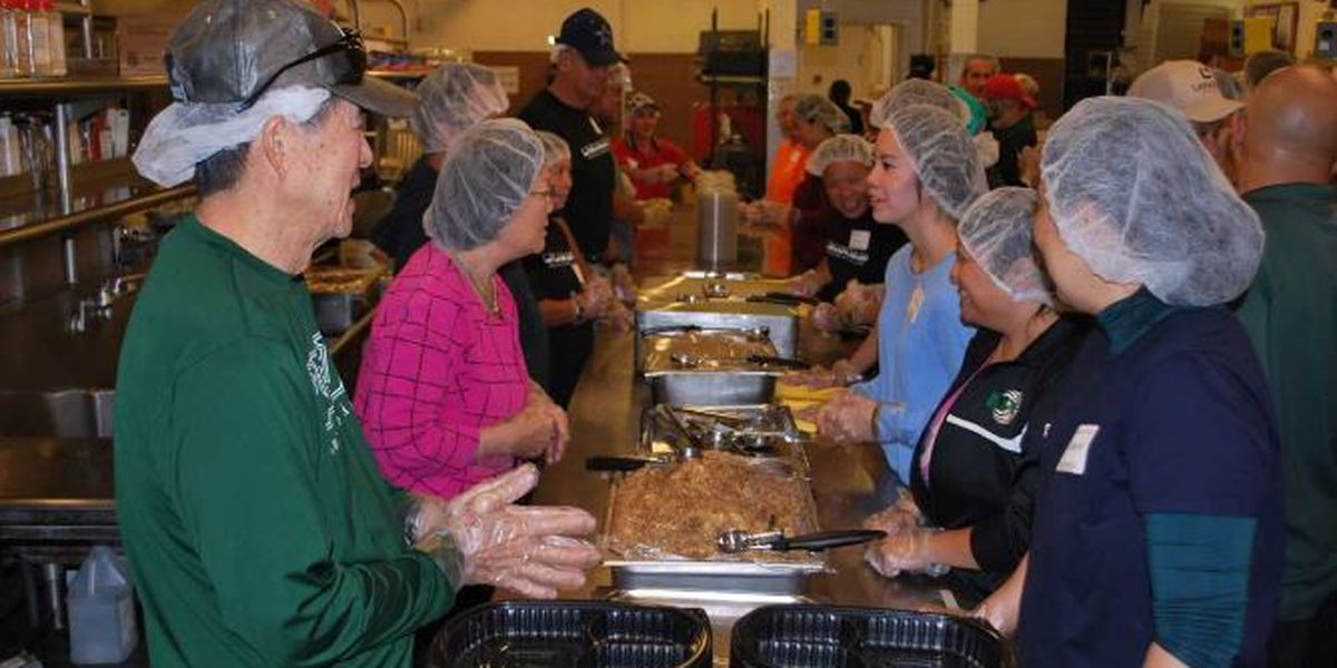 Lanakila Meals on Wheels spreads Thanksgiving joy to seniors