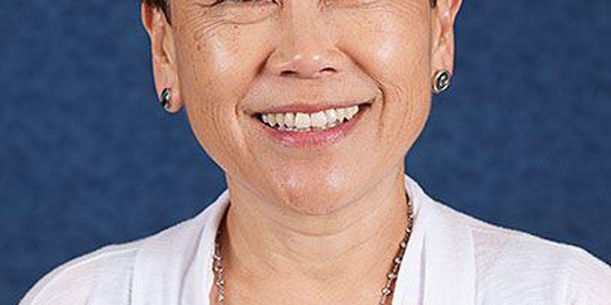 Board praises Hawaii schools superintendent