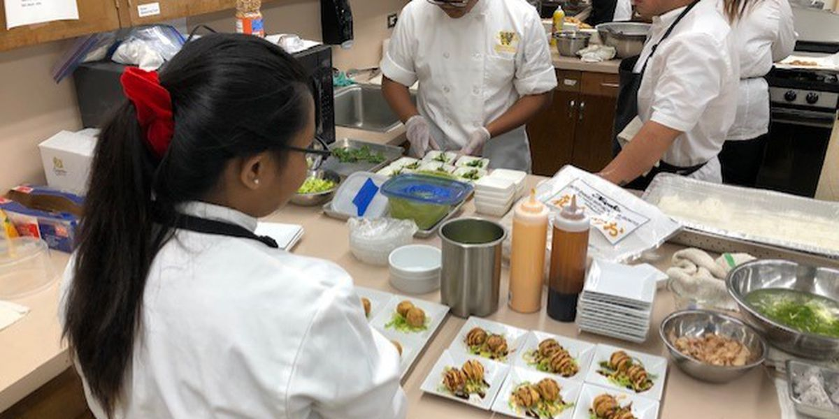 Waipahu High's student-run cafe whets students' appetite in culinary careers