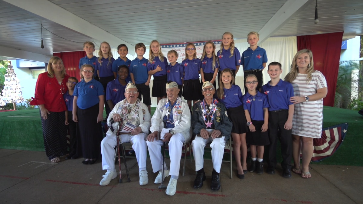 99-year-old Pearl Harbor veteran dances along as keiki sing to honor him, fellow vets