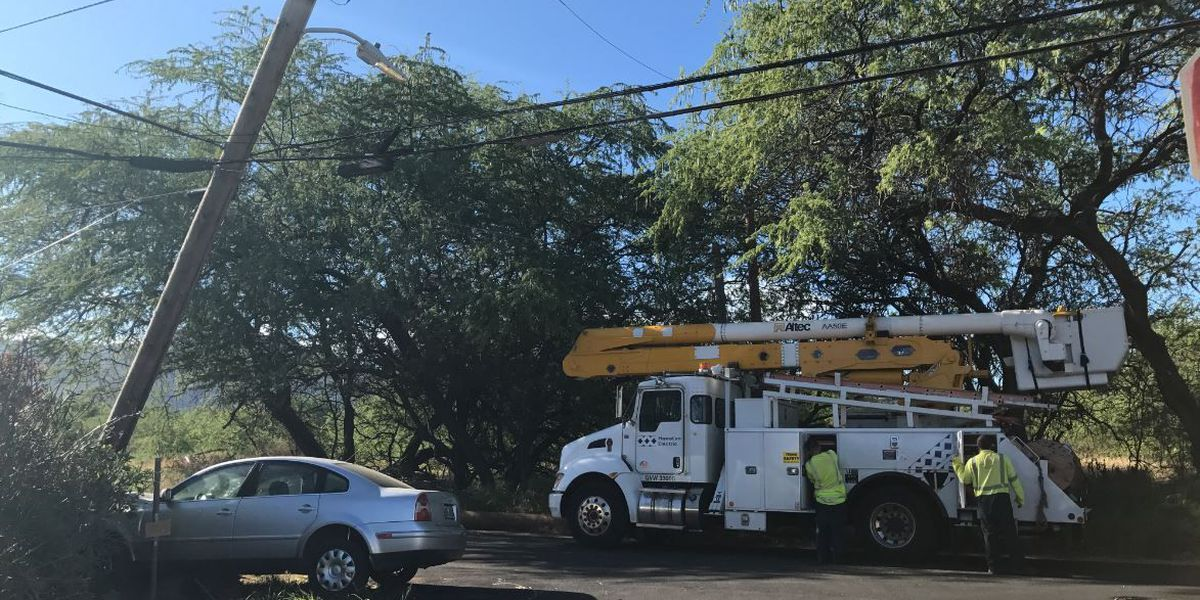Crash causes power outages for 245 customers in West Oahu