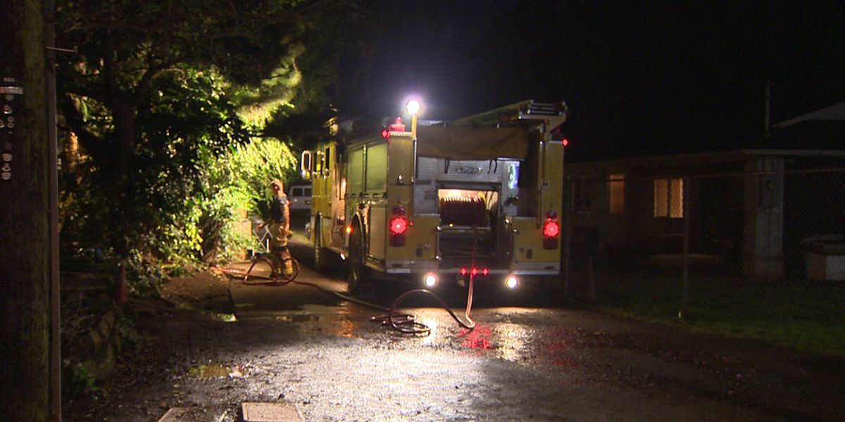 HFD crews battle late-night blaze at Wahiawa home