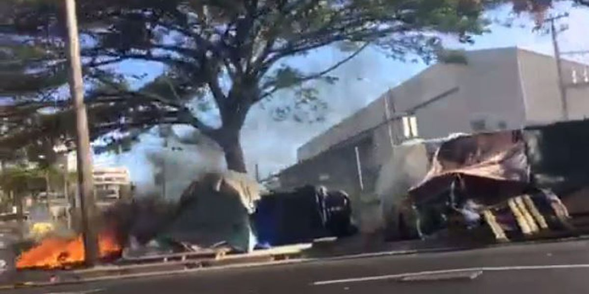VIDEO: Tent in Iwilei homeless encampment catches fire